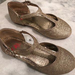 Gold Glitter Girls dress shoes  👠